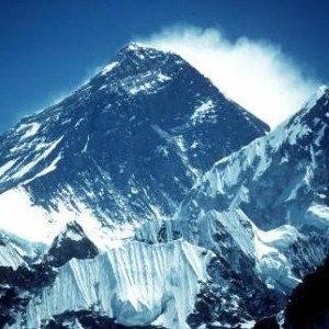 Backpackers 'flocking' to conquer Everest