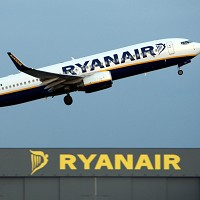 Ryanair has been ordered to compensate passengers over the 2010 volcano eruption in Iceland