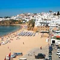 Holidaymakers can pick up 10 essential items for just £46.34 in Albufeira this summer