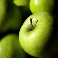 Eating apples reduces the risk of developing type 2 diabetes by seven per cent