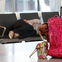 Jet lag disturbs the sleep cycle and makes illness more likely, according to Yale researchers