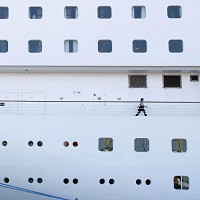 Cruise ships had the worst record for holiday illnesses last year, says study