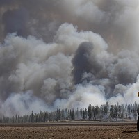 People who live within five miles of the wildfire in Arizona have been advised to stay away