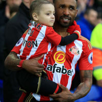 Bradley Lowery with England striker, Jermaine Defoe