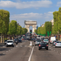 French traffic on the Champs Elysees