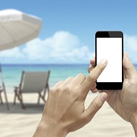 Young Brits are ditching books in favour of phones on holiday