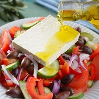 Combining olive oil with nitrate-rich salads make the foods even healthier, researchers say