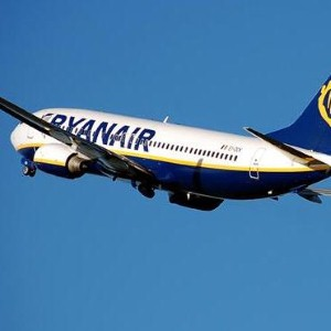 Ryanair issues travel insurance warning