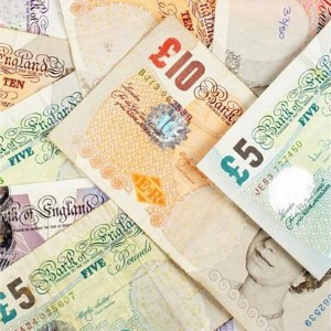 Holidaymakers paying extra on exchange rates